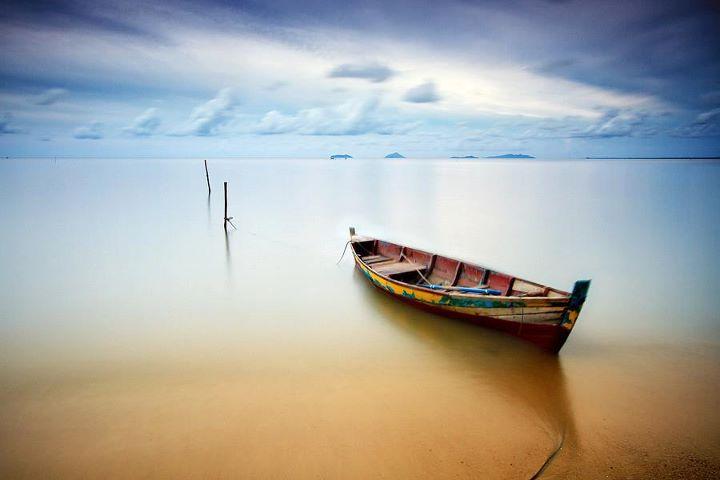 عکس قایق تنهایی